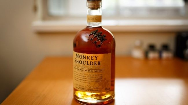 This image has an empty alt attribute; its file name is monkey-shoulder-blended-malt-scotch-whisky-bottle-650x365. Jpg