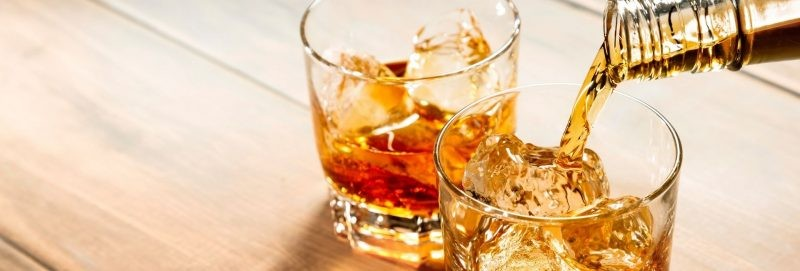 Whiskey pour banner